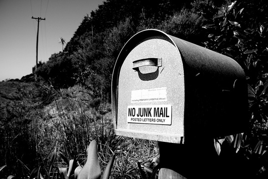 no junk mail sign on a mailbox